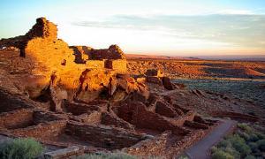 Portada-El Monumento Nacional Wupatki de Arizona al amanecer. (CC BY NC 2.0)
