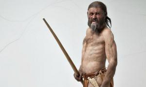 Portada - Reconstrucción de Ötzi, el «hombre de hielo». (Fotografía: ABC/ South Tyrol Museum of Archaeology/ Ochsenreiter)