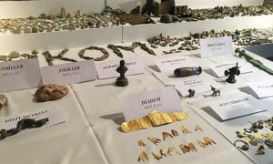 Portada - Algunas de las piezas arqueológicas recientemente incautadas a contrabandistas en Turquía. Fuente: YeniŞafak