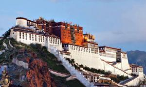Portada-Fotografía del Palacio de Potala o templo de Lhasa, máxima expresión de la arquitectura tibetana. (Coolmanjackey/CC BY-SA 3.0)