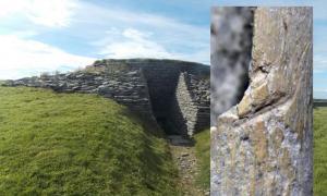 Portada - Principal – uno de los muchos cairns con cámara de las islas Orcadas (geograph.org.uk). Detalle – fragmento de hueso hallado en una tumba de las islas Orcadas en el que se observan marcas de cortes. (Deadline News)