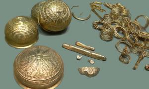Portada: Réplicas de los objetos del Tesoro de Eberswalde. (Wikimedia Commons)