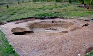 Portada-'Podemos afirmar sin temor a equivocarnos que, como prueba este descubrimiento, los túmulos funerarios aparecieron mucho antes de la Edad del Bronce, en el Neolítico.' Foto: KemSU