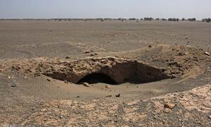 Portada - El yacimiento consta de una serie de estructuras de adobe que los arqueólogos están examinando y excavando para determinar si se trata de una necrópolis o de un asentamiento. (Agencia de Noticias MEHR / Fotografía: Laleh Khajooei)