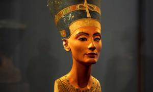 Portada - Busto de Nefertiti, Museo Egipcio de Berlín. (CC BY 2.0)