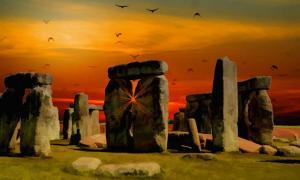 Portada - Atardecer en Stonehenge. Fuente: Dominio público