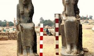 Portada-Dos de las estatuas de la diosa Sekhmet descubiertas recientemente. Fotografía: Ministerio de Antigüedades de Egipto