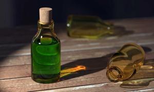Portada - Botella con elixir. Fuente: CC0
