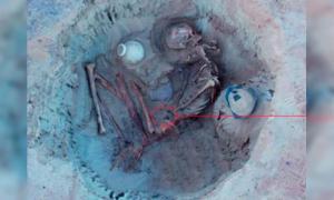 Portada - Los restos de la mujer egipcia con su hijo no nacido. Crédito: Ministerio de Antigüedades