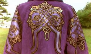Portada - Vestidura teñida de púrpura de Tiro (Facweb.cs)