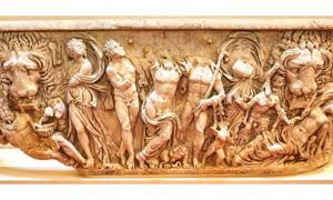 Portada - Un sarcófago romano que en el pasado fue utilizado como un simple ornamento de jardín, es restaurado y expuesto en el Palacio de Blenheim (Inglaterra). (Fotografía: Palacio de Blenheim)