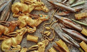 Portada - Parte de los 3.000 objetos de oro y otros metales descubiertos en un túmulo funerario de Kazajistán. Fuente: © Oleg Belyalov - east2west news