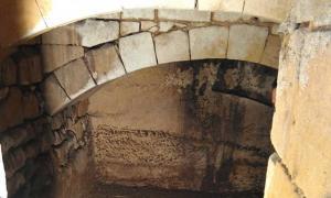 Portada - Interior de uno de los túneles de La Valeta construidos por los Caballeros de Malta. Fuente: Valletta Underground