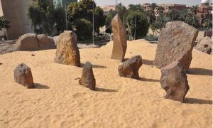Table-Rocks-in-Nabta-Playa.jpg