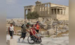 Por primera vez en su larga historia, la accesibilidad para discapacitados se ha convertido en una prioridad en la Acrópolis de Atenas en Grecia y será completamente accesible para los lugareños y turistas discapacitados.