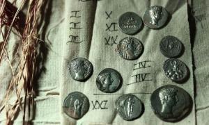 Se han desenterrado más de 650 monedas romanas antiguas de valor incalculable en el sitio arqueológico de Aizanoi en Turquía.