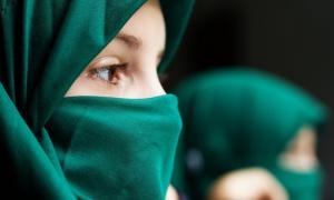 Colegiala musulmana. Crédito: Smailhodzic/ Adobe Stock