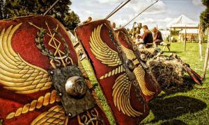 Los restos de un campamento de marcha romano fueron descubiertos en el oeste de Escocia. Fuente: Feenstaub / Adobe Stock