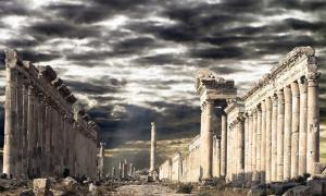 La famosa calle columnata de Apamea que, según informes, ha sido destruida. (Maurizio / Adobe)
