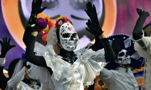 Carnaval del Día de los Muertos. Desfile del día de los muertos. Fuente: Oleg Znamenskiy / Adobe Stock.