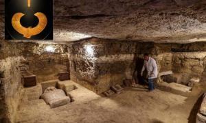 El equipo encontró 16 tumbas que contenían 20 sarcófagos. Fuente: Ministerio de Antigüedades de Egipto.