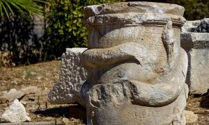El primer altar griego de serpientes jamás encontrado en la antigua ciudad de Patara, Turquía