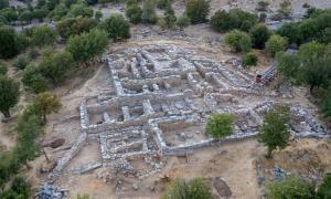 Uno de los nuevos complejos de habitaciones encontrados en Zominthos, donde también se encontró recientemente el santuario religioso minoico.