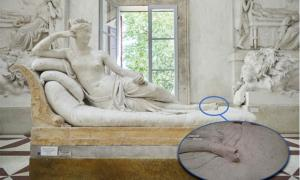 : Escultura dañada del siglo XIX de Paolina Bonaparte por Antonio Canova