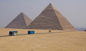 Pirámides de Khafra y Cheops en Giza, Egipto Fuente: fadamson / Adobe Stock