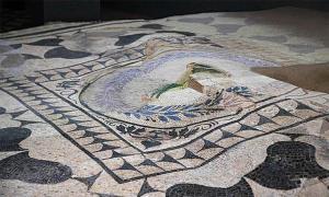 Mosaico descubierto en la urbanización Domus Aventino.