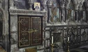 El santuario de Saint Eanswythe medieval en la iglesia de Folkestone, Inglaterra. Fuente: un secretario de Oxford