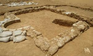 Esta mezquita rural probablemente sirvió a los agricultores cercanos en algún momento entre 600 y 700 d.C. (Emil Aladjem / Autoridad de Antigüedades de Israel)