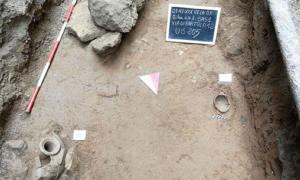 Lugar de enterramiento infantil, Gela, Sicilia. Fuente: Regione Siciliana