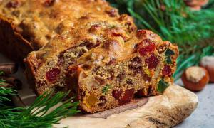La tarta de frutas tiene una larga historia y existen muchas variaciones de la misma.