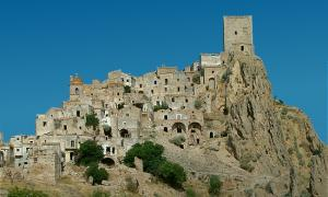 portada-Craco, Italia (Wikimedia Commons).jpg