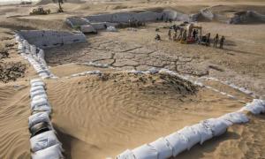 : Reciclaje antiguo descubierto en el sitio de Saruq Al Hadid. Fuente: Jan Kurzawa / PAP.