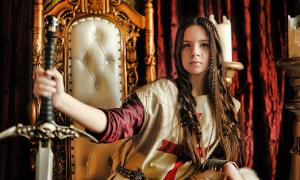 Un nuevo estudio revela que las reinas eran más guerreras que los reyes. Fuente: Evdoha / Adobe Stock.
