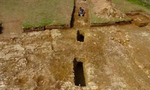 Se descubrieron pozos sospechosos de minas romanas, que se habrían cruzado con una carretera romana perdida. Fuente: Universidad de Exeter / Uso Justo.