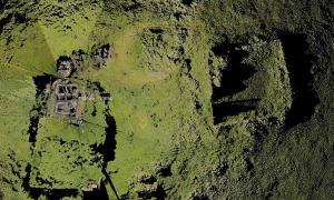 Fotografía aérea del pueblo fantasma escocés de Broo, en las islas Shetland, que misteriosamente volvió a la vida.