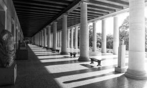 La Estoa de Atalo en Atenas como se ve hoy después de haber sido reconstruida en la década de 1950.