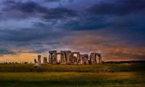 Hay una nueva teoría sobre cómo las enormes piedras llegaron a Stonehenge. Fuente: Lisa /Adobe Stock