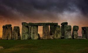 Los investigadores creen que algunas de las piedras azules de Stonehenge se obtuvieron de un círculo de piedras galés. Fuente: Roland / Adobe Stock