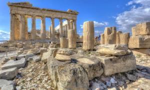 Un ejemplo de construcción griega antigua es este templo del Partenón en la Acrópolis de Atenas. Fuente: anastasios71 / Adobe Stock.