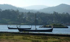 Réplicas de barcos vikingos en Catoira, Galicia. ¿Los vikingos también llegaron a Madeira? Fuente: CC BY-SA 4.0