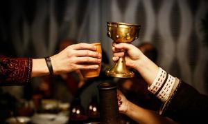 Cerámica en Heuneburg, Alemania, muestra que los celtas de la Edad del Hierro de todas las clases sociales bebieron vino mediterráneo. Fuente: 9parusnikov / Adobe Stock