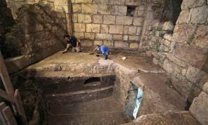 Excavando cámaras subterráneas en el Muro Occidental de Jerusalén, Israel. Fuente: IAA