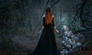 ¿Una bruja o una mujer en un bosque oscuro? ¡El pinchazo de brujas se utilizó durante siglos para probar falsamente que una mujer (o un hombre) era una bruja!