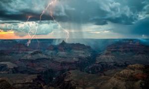 Una tormenta en el Gran Cañón.