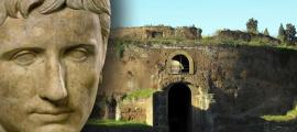 Portada - Mausoleo de Augusto, Campo de Marte, Roma (CC BY-SA 2.0) y retrato de Augusto que nos muestra la efigie del emperador con los rasgos idealizados. (Public Domain)