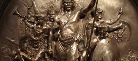 Portada - Relieve en bronce plateado realizado en 1867 por Emmanuel Frémiet en el que se observa a Merovec victorioso en batalla. (CC by SA 3.0)